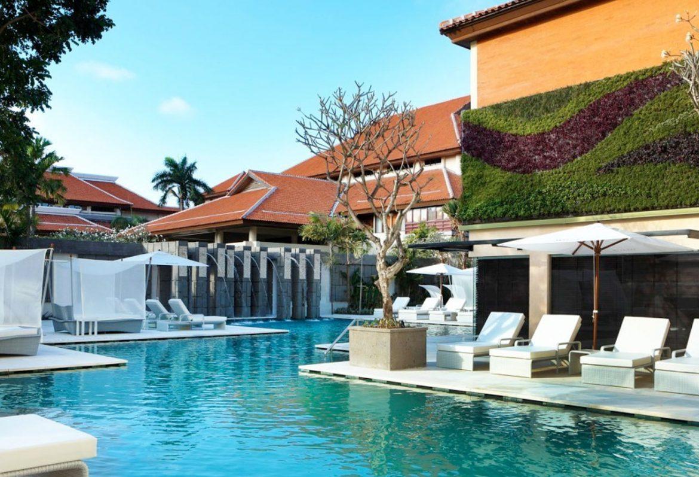 Kolam Renang Keraton Hotel